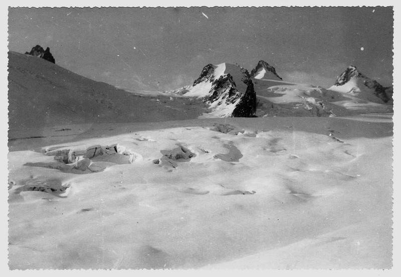 Archives... Ski alpinisme dans les années 1950 09vers_col_geant
